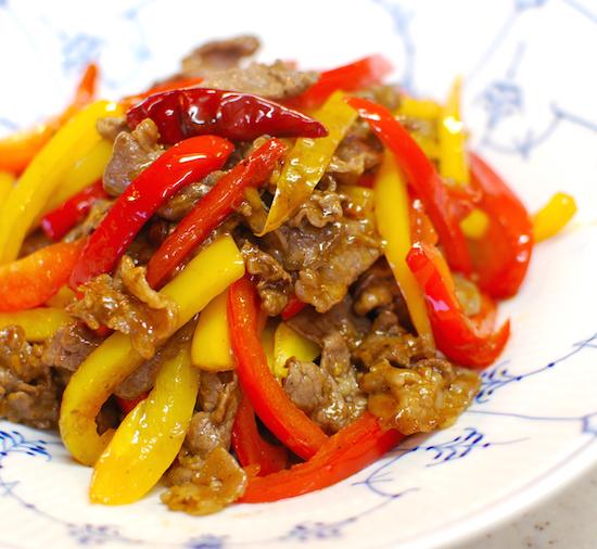 牛肉とパプリカのピリ辛炒め8 (1)-550