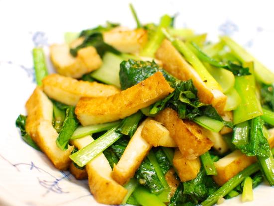 厚揚げと小松菜の塩にんにく炒め9-550