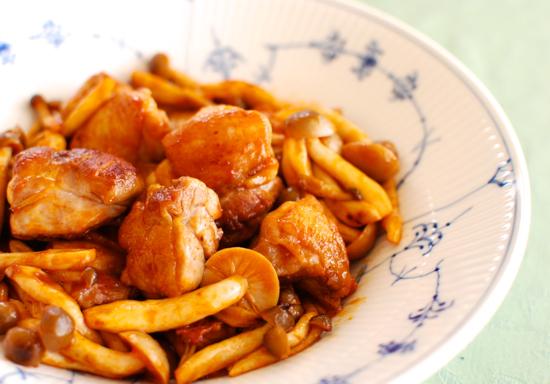 鶏肉としめじのケチャップ炒め10-550