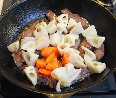 れんこんと牛肉のバターしょうゆ炒め5 (1)-400