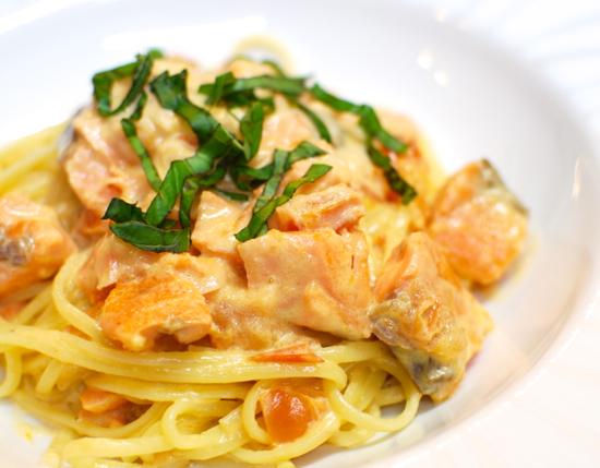 塩鮭とトマトのクリームスパゲティ8-550