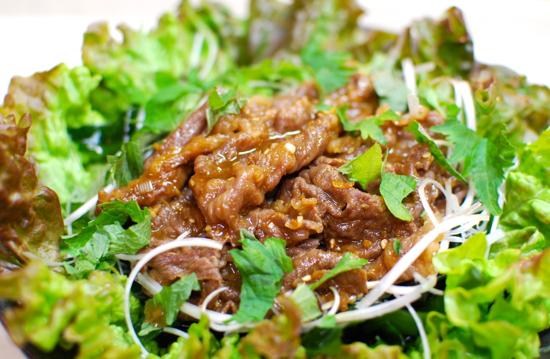 わかめと焼き肉のサラダ8-550