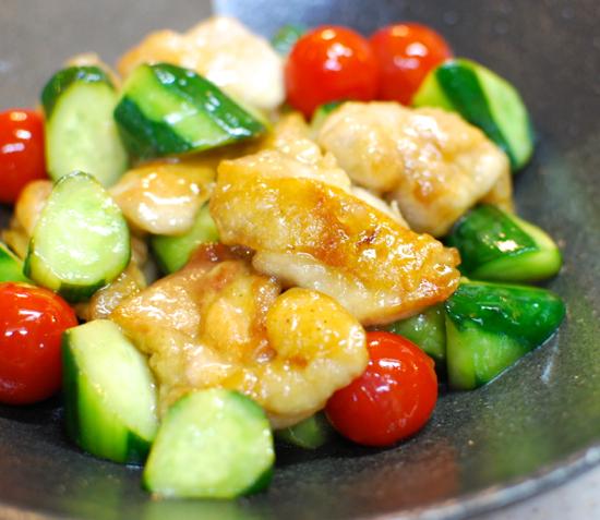きゅうりと鶏肉の甘酢炒め10-550