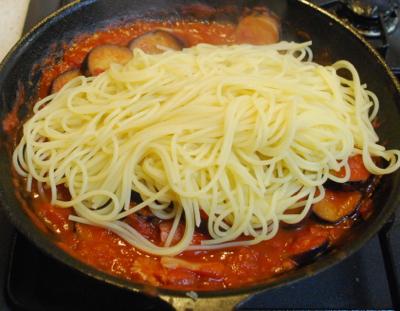 冷凍なすのトマトパスタ10-400