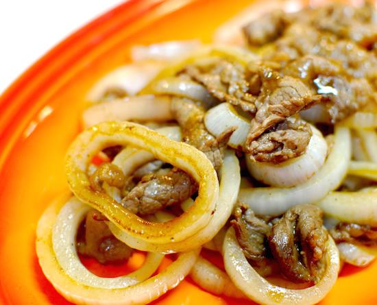 新玉ねぎと牛肉のソース炒め6 (1)-550