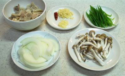 牛すじ肉の黒ごまカレー4-400
