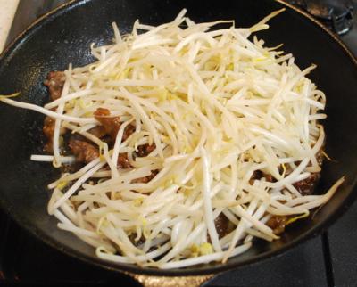 もやしと牛肉の中国風炒め10-400