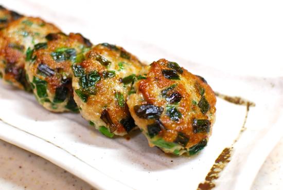 鶏ひき肉とにらのつくね焼き9-550